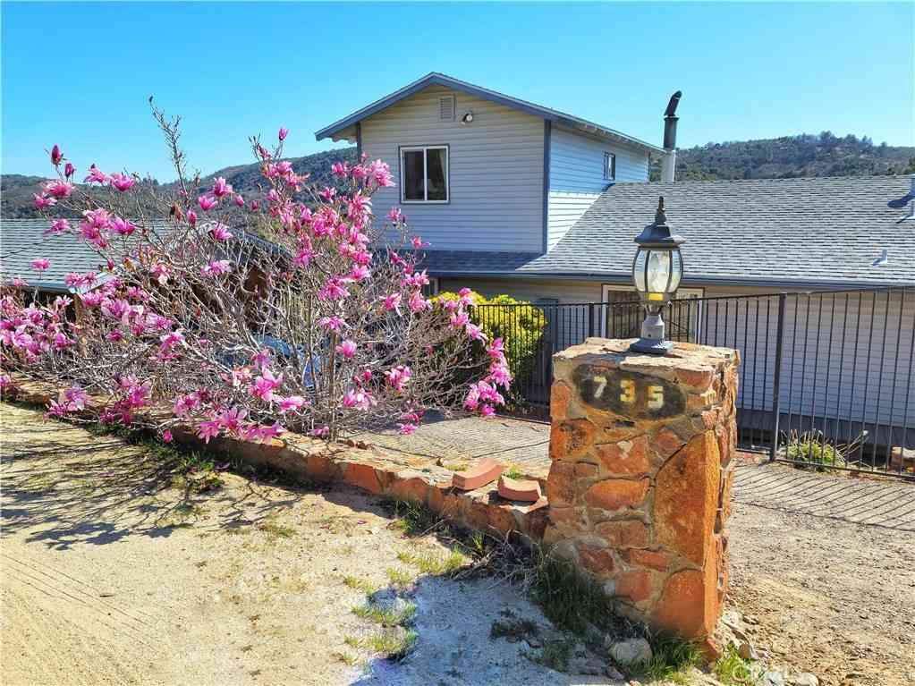 735 Hacienda Drive, Julian, CA, 92036,