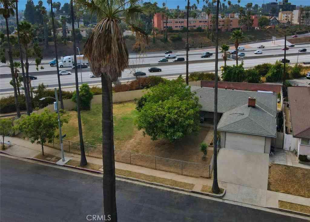 2000 W 21st Street, Los Angeles, CA, 90018,