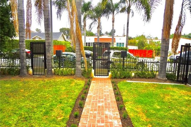 829 N Orange Grove Avenue