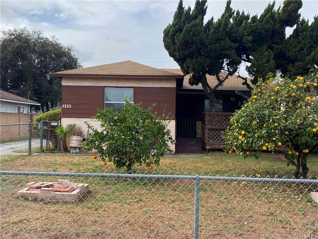 6123 Woodlawn Avenue, Maywood, CA, 90270,