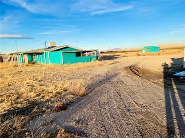10653 Midway Avenue, Lucerne Valley, CA, 92356,