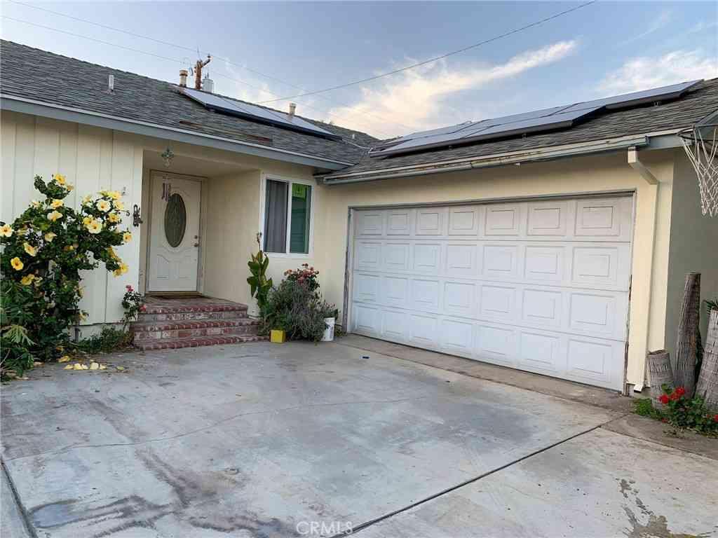 825 Ahern Drive, La Puente, CA, 91746,