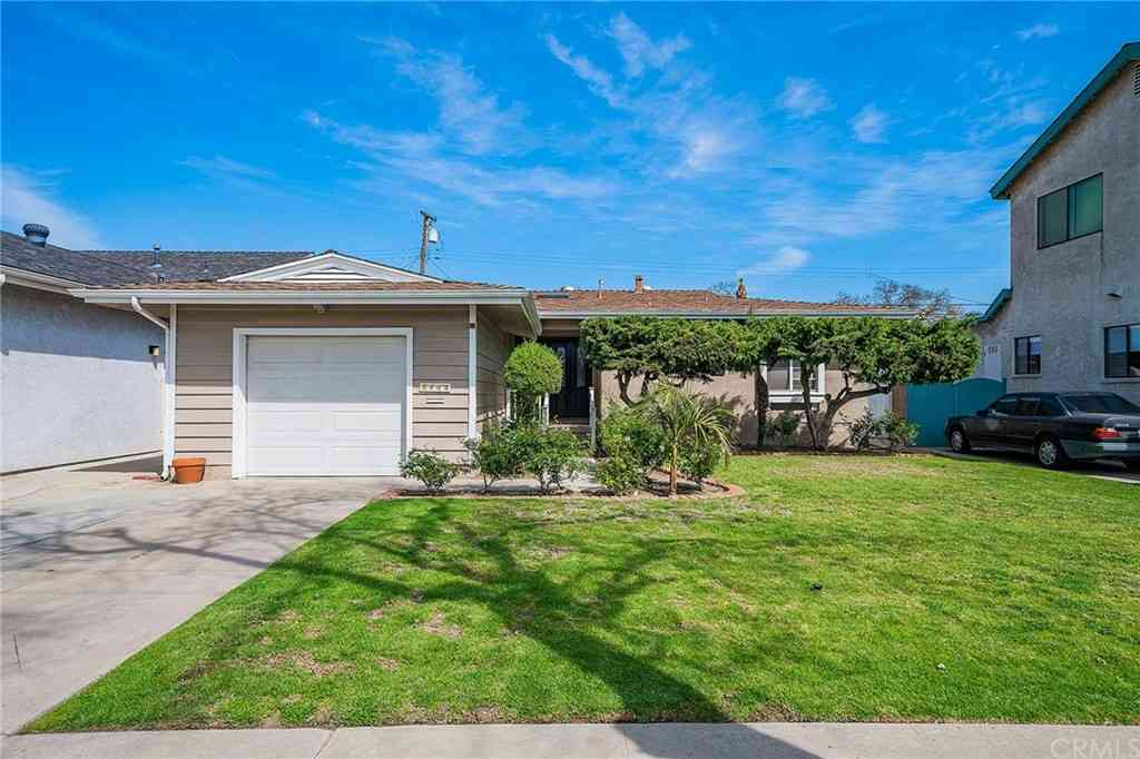 2902 Nipomo Avenue, Long Beach, CA, 90815,