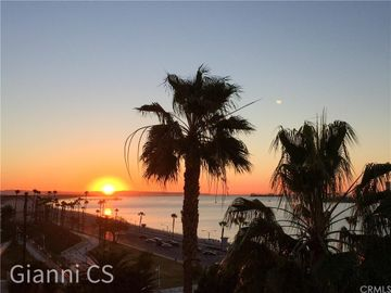 25 15th Place #802, Long Beach, CA, 90802,
