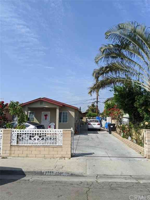 1235 S Townsend Avenue, East Los Angeles, CA, 90023,