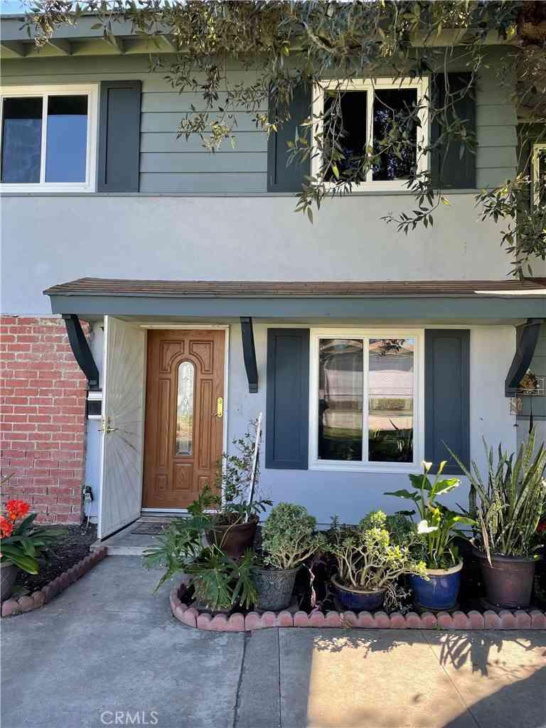 11075 Robinson Drive, Stanton, CA, 90680,