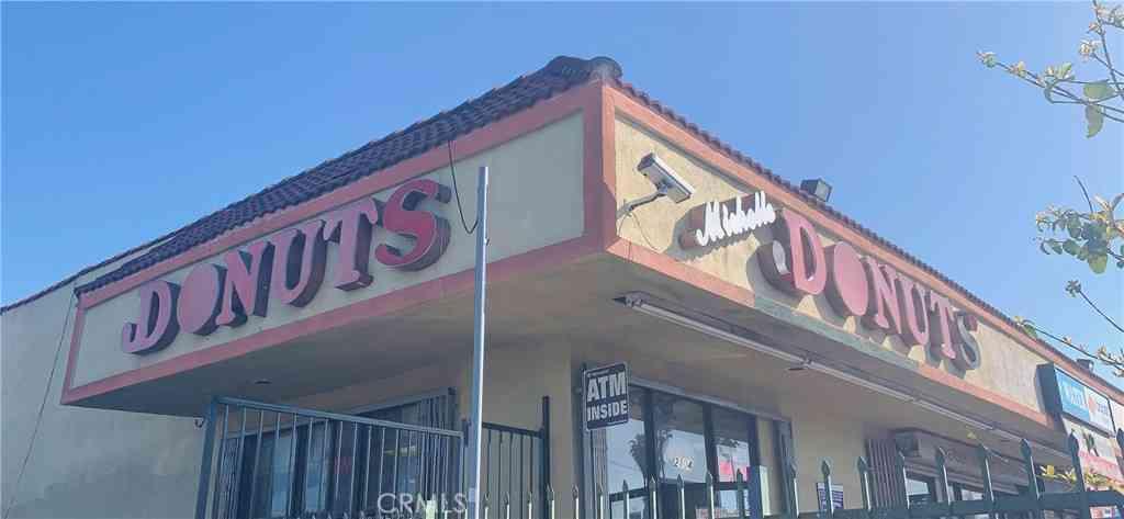 2104 N Santa Fe Avenue, Compton, CA, 90222,