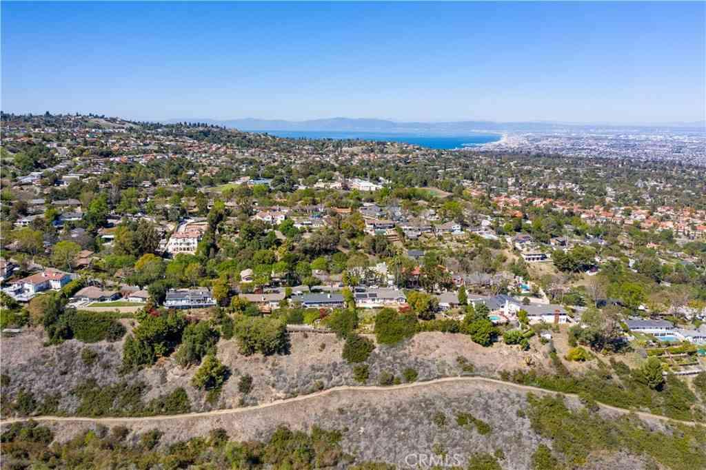 26 Middleridge Lane S, Rolling Hills, CA, 90274,