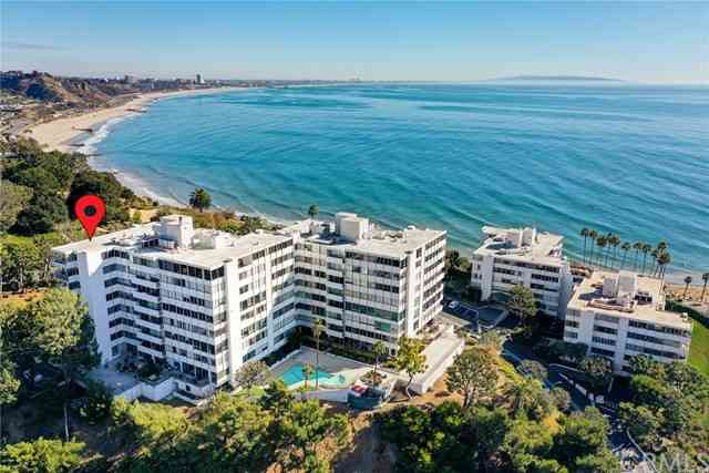 17352 West Sunset Boulevard #1, Pacific Palisades, CA, 90272,