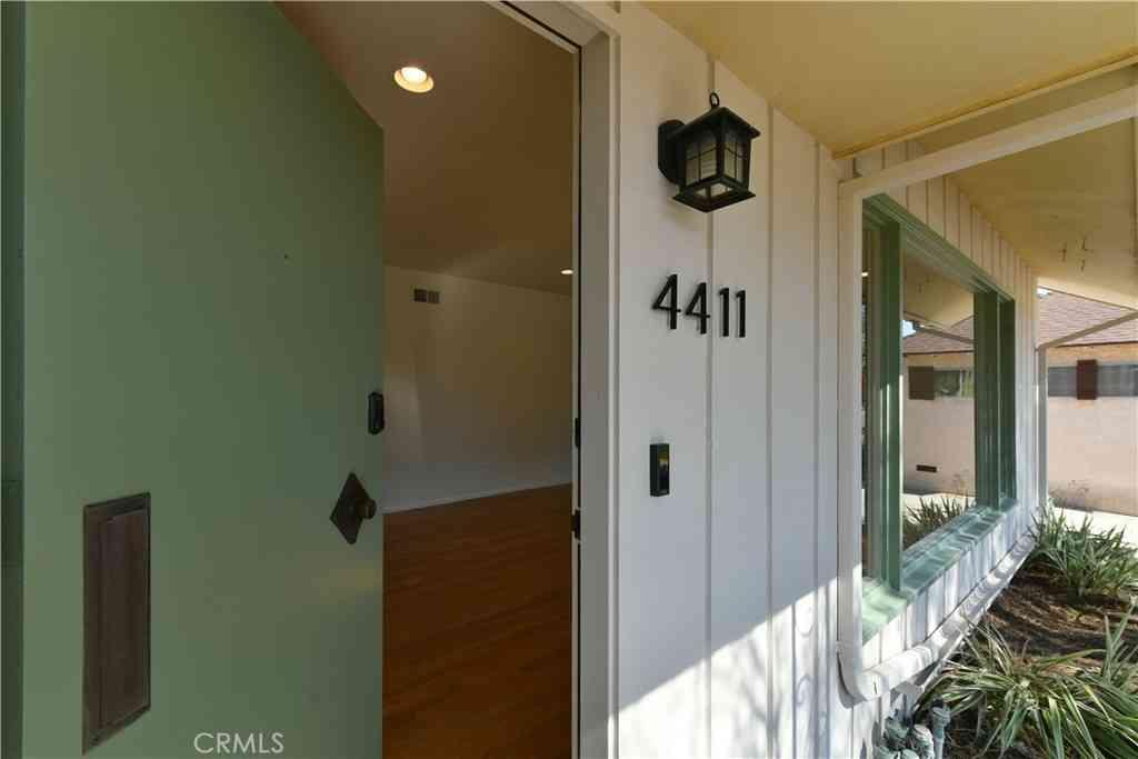 4411 E La Cara Street, Long Beach, CA, 90815,