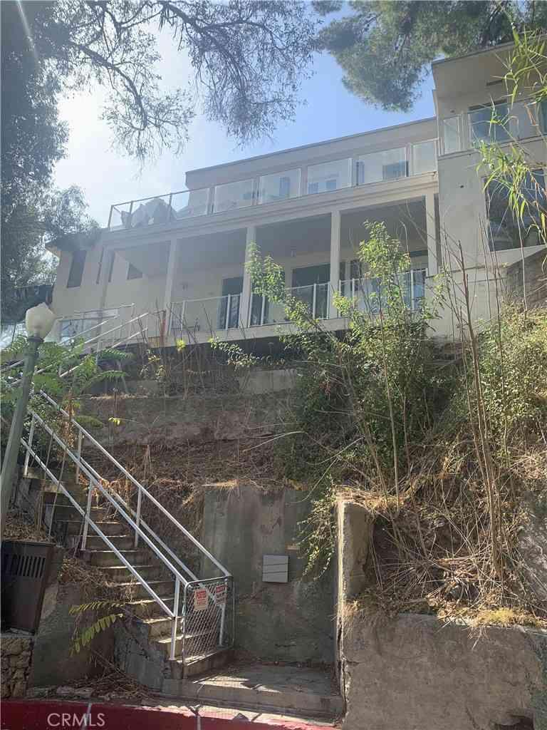 5699 Tryon Road, Los Angeles, CA, 90068,