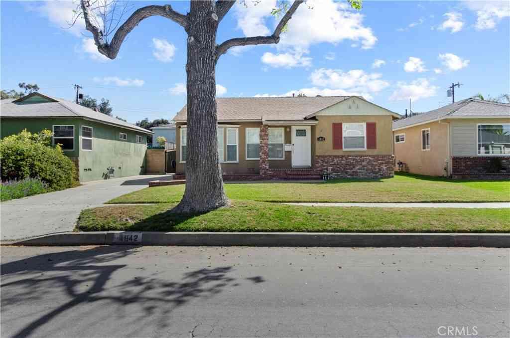 4842 Lorelei Avenue, Long Beach, CA, 90808,