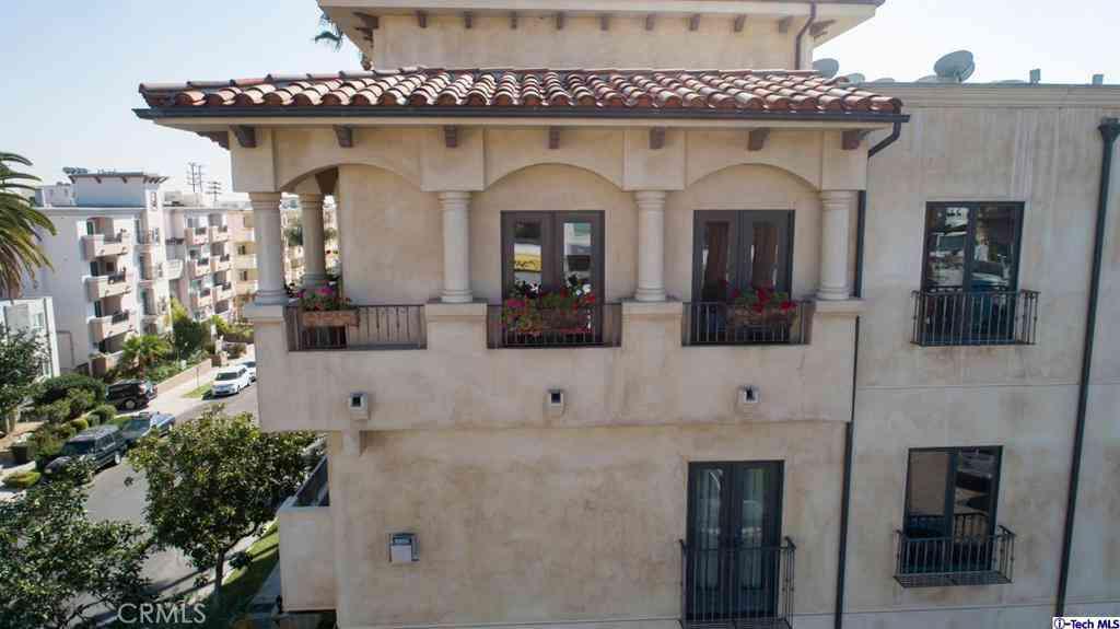 1215 Armacost Avenue #402, Los Angeles, CA, 90025,