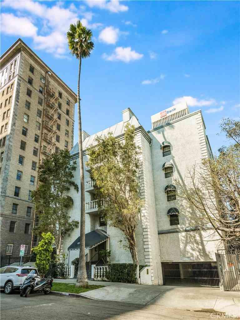 631 S Kenmore Avenue #303, Los Angeles, CA, 90005,