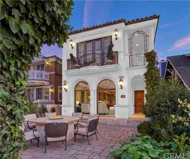 92 17th Street, Hermosa Beach, CA, 90254,