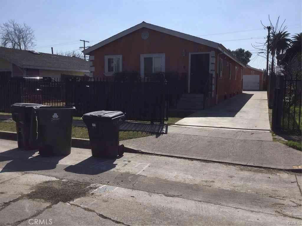 318 E 105th Street, Los Angeles, CA, 90003,