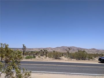60611 Alta Loma Drive, Joshua Tree, CA, 92252,