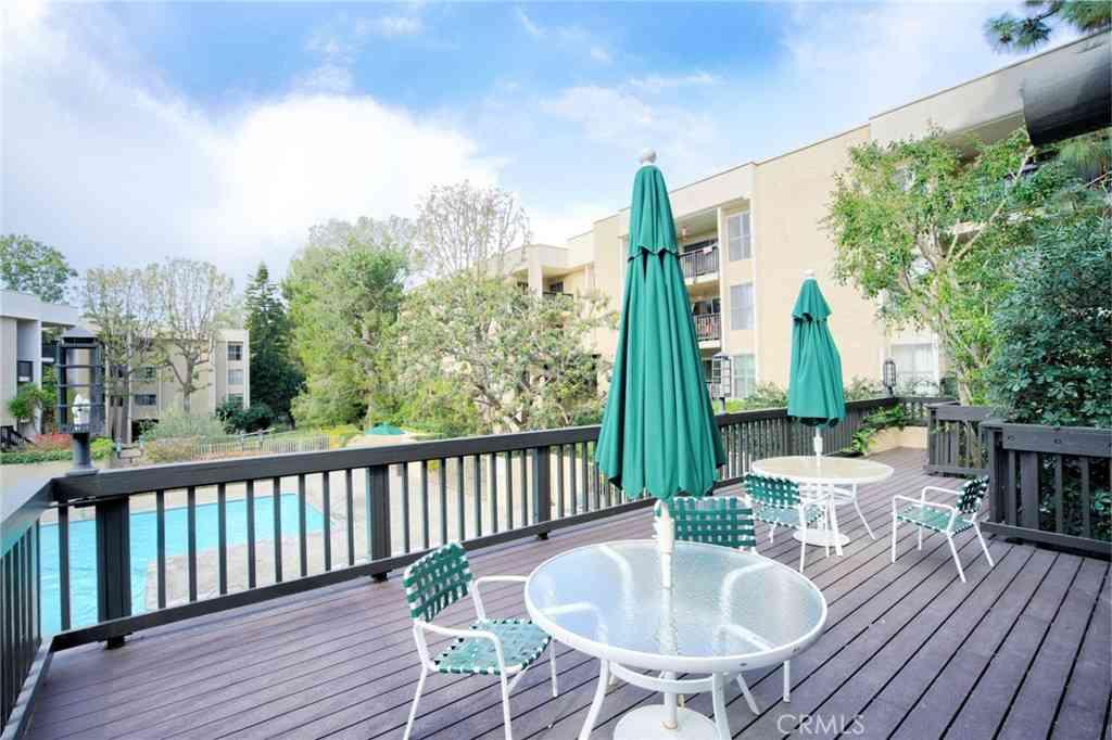 5216 Raintree Circle, Culver City, CA, 90230,