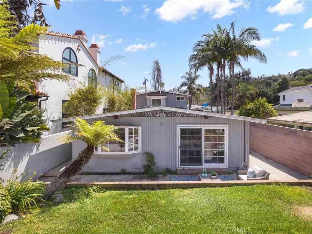 562 31st Street, Manhattan Beach, CA, 90266,
