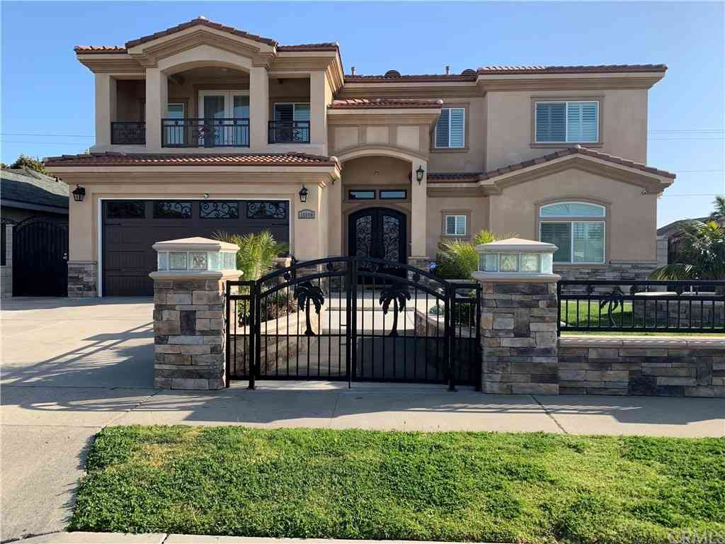 11300 Delphinium Avenue, Fountain Valley, CA, 92708,