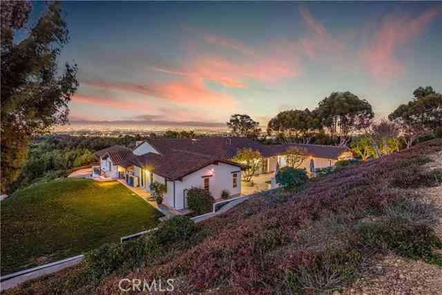 18 Portuguese Bend Road, Rolling Hills, CA, 90274,