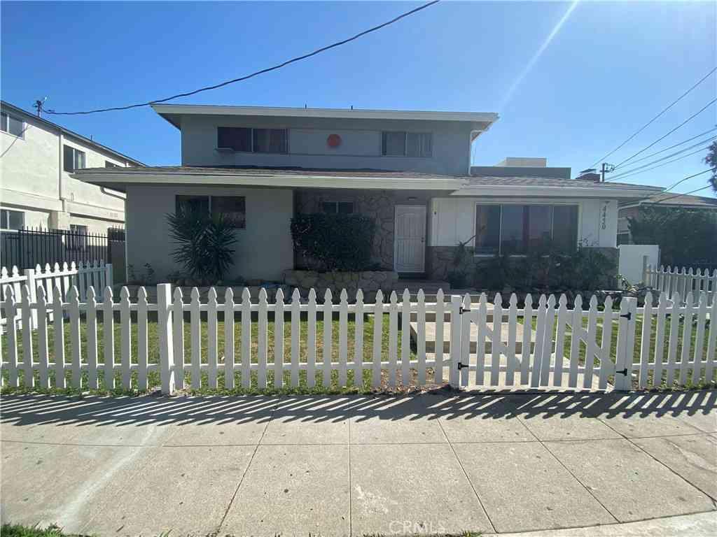 4450 W 117th Street, Hawthorne, CA, 90250,