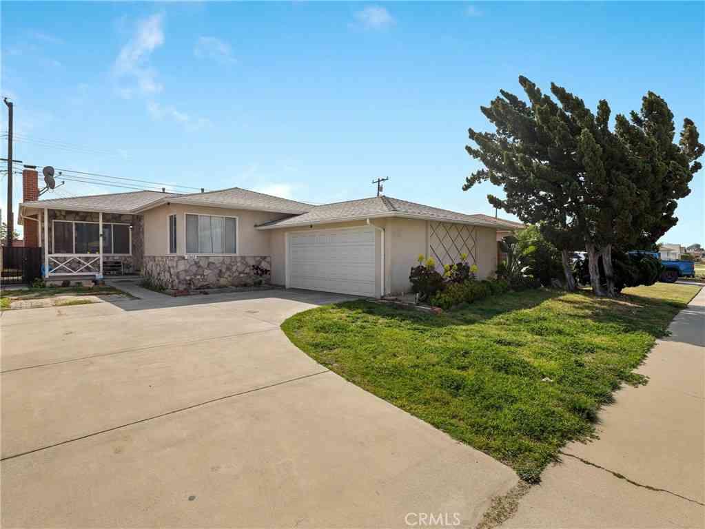13612 Ardath Avenue, Gardena, CA, 90249,