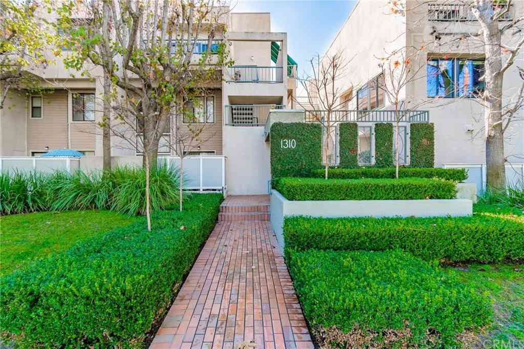 1310 E Orange Grove Boulevard #209, Pasadena, CA, 91104,