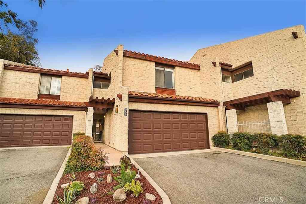 4225 Via Arbolada #558, Los Angeles, CA, 90042,