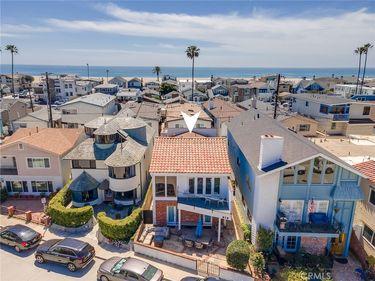 813 W Bay Avenue, Newport Beach, CA, 92661,