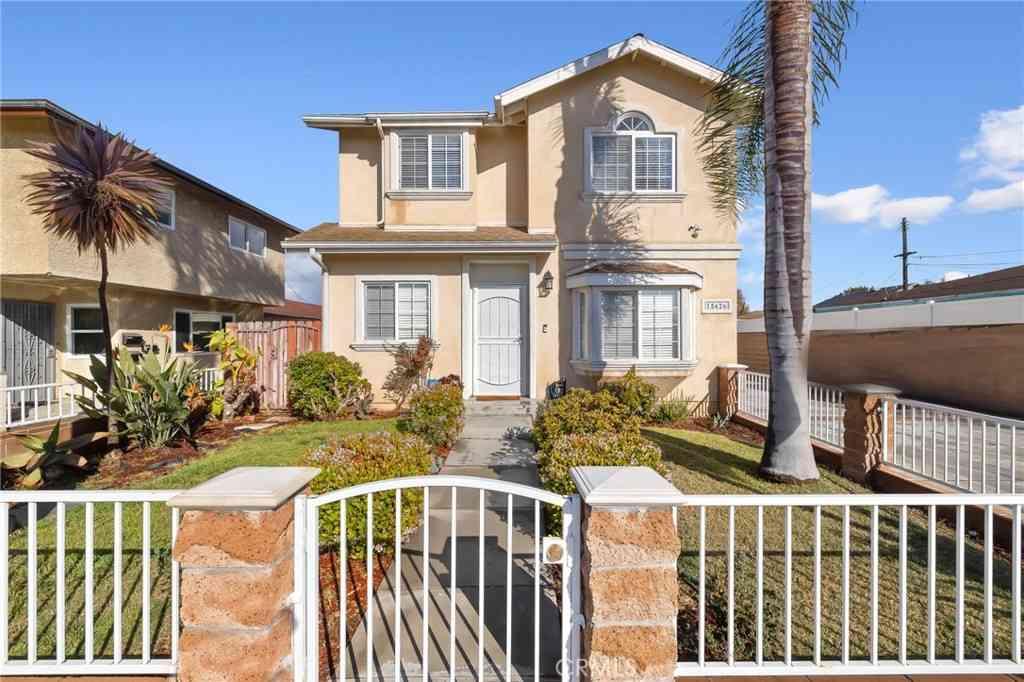 15626 Larch Avenue, Lawndale, CA, 90260,