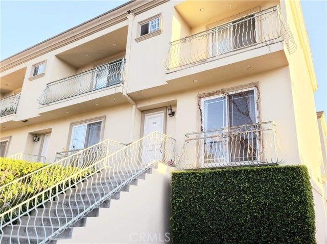 5511 Via Marisol #101 Los Angeles, CA, 90042