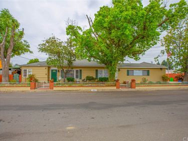 10816 Calvert Street, North Hollywood, CA, 91606,
