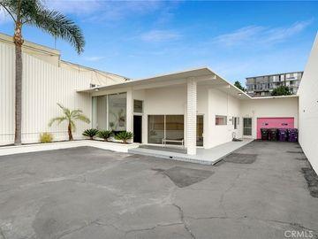 555 E 3rd Street, Long Beach, CA, 90802,