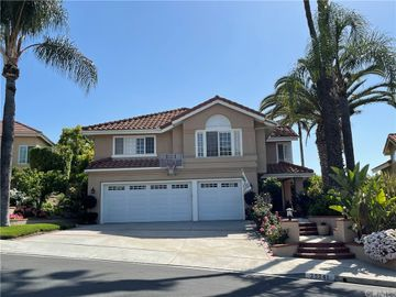 25241 Leicester, Mission Viejo, CA, 92692,
