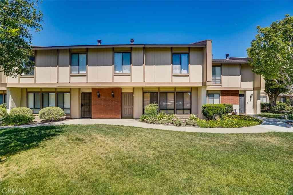 2907 N Cottonwood Street #4, Orange, CA, 92865,