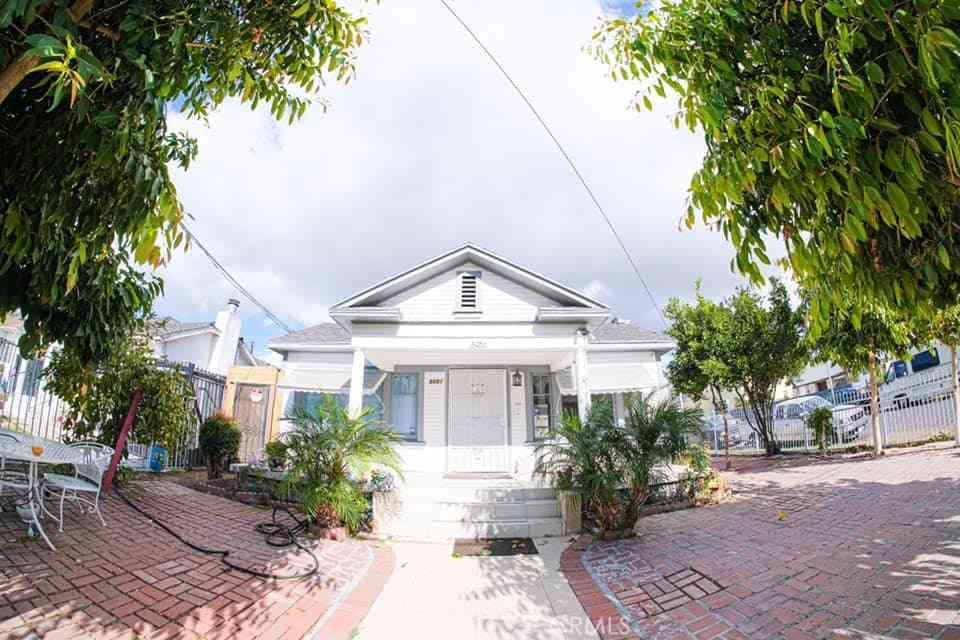 5051 Romaine Street, Los Angeles, CA, 90029,