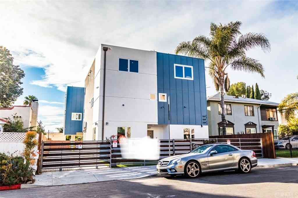 1307 N Orange Drive, Hollywood, CA, 90028,
