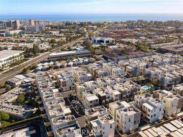 60 Ebb Tide Circle, Newport Beach, CA, 92663,