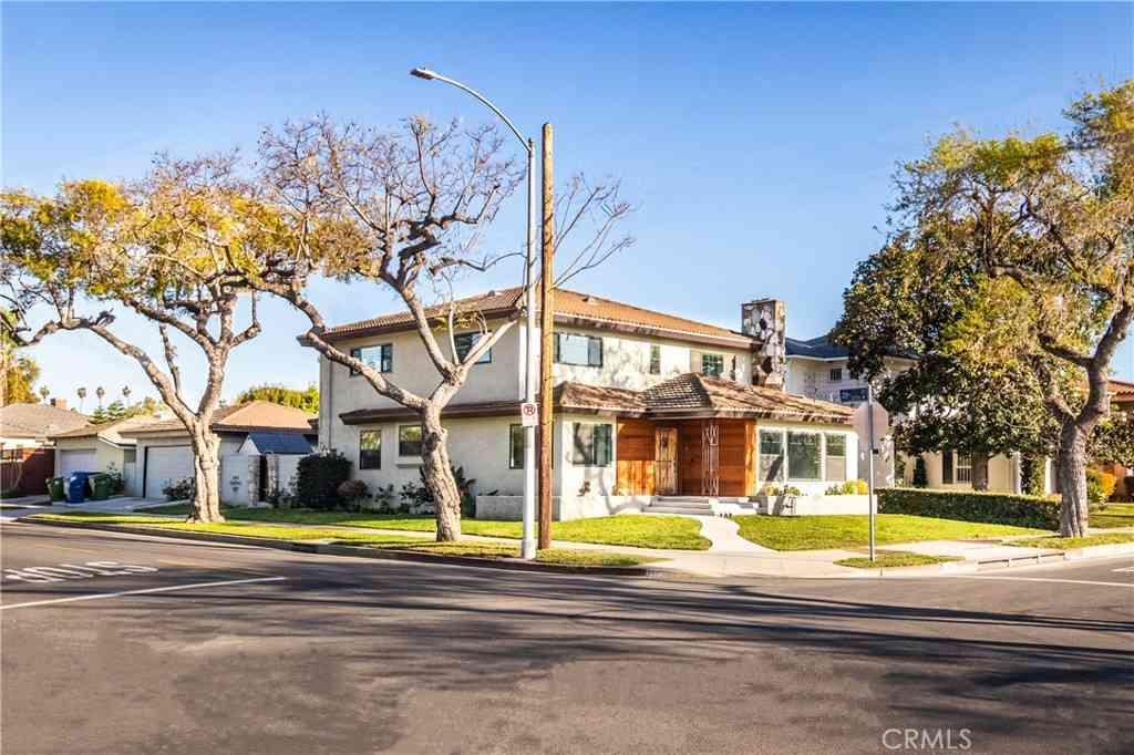 3902 6th Avenue, Los Angeles, CA, 90008,
