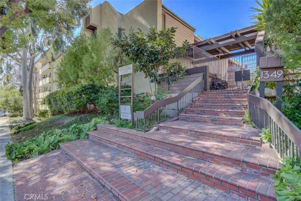 1349 N Columbus Avenue #4, Glendale, CA, 91202,