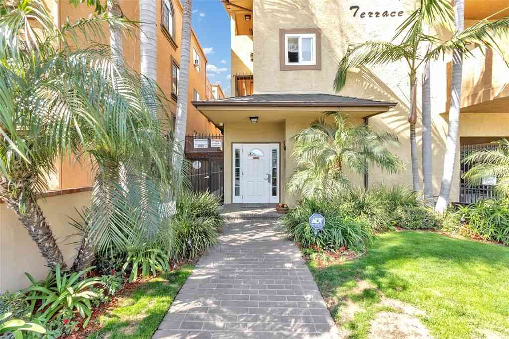 1601 Stanley Avenue #8, Long Beach, CA, 90804,