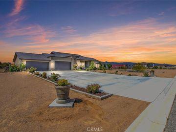 9879 Silver Palm Drive, Oak Hills, CA, 92344,