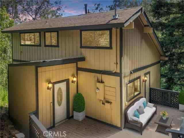 6949 Pinehaven Road, Oakland, CA, 94611,