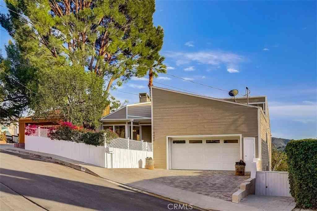 5060 Llano Drive, Woodland Hills, CA, 91364,