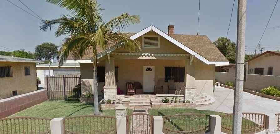 6132 Pine Avenue, Maywood, CA, 90270,