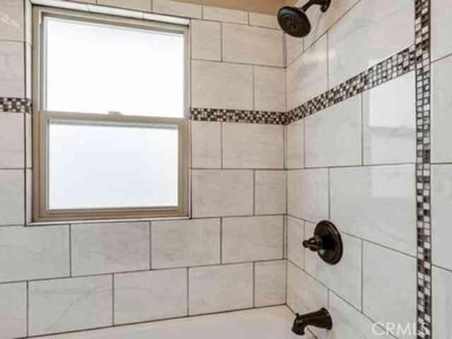 Bathroom, 2729 San Pablo Avenue, Berkeley, CA, 94702,