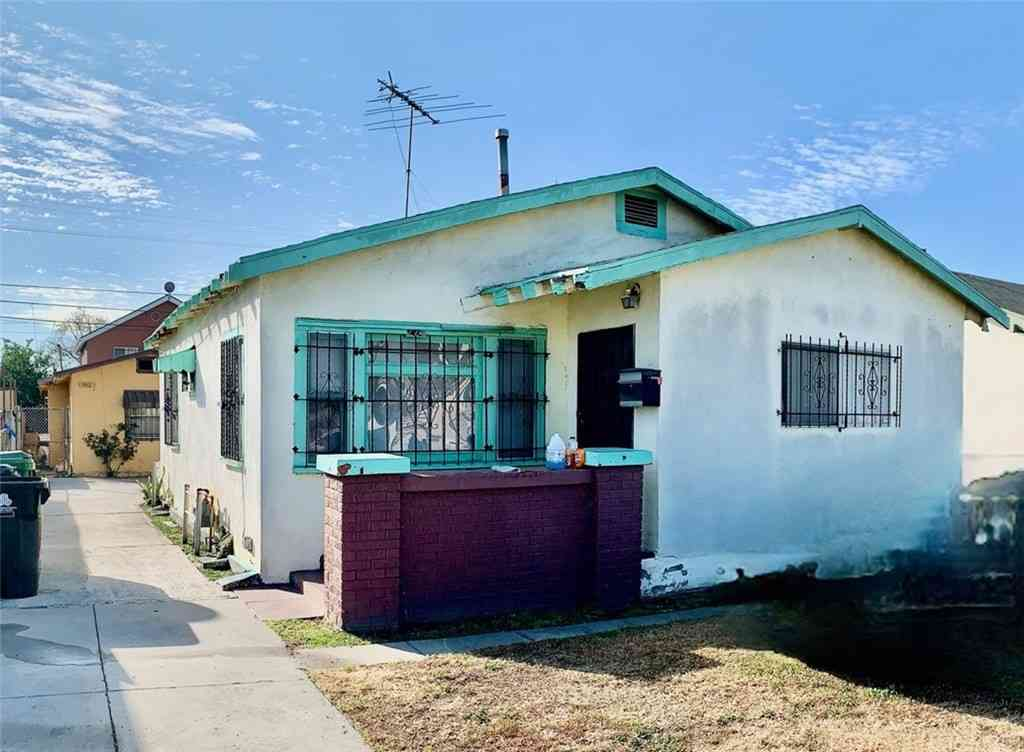 224 W 84th Street, Los Angeles, CA, 90003,