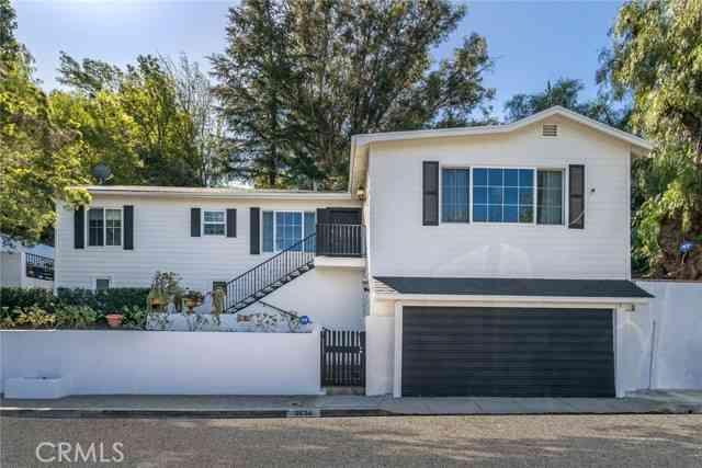 3634 Buena Park Drive, Studio City, CA, 91604,