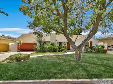 13542 Bassett Street, Valley Glen, CA, 91405,